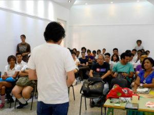 サン・アレハンドロ芸術学校にてレクチャー&ワークショップ。切り絵を授業に取り入れているだけあって、素晴らしい作品が出来上がる
