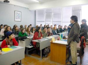 トビリシ芸術大学にてワークショップ。予定人数を超える学生が参加
